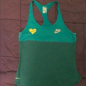 Nike / heartbreak hill running co running tank